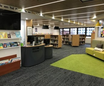 JUNIOR SCHOOL LIBRARY: Situated on Level 7 of SAH, this space is used for browse and borrow classes daily. Students can also use the area during lunch or afternoon tea. Various seating options available.